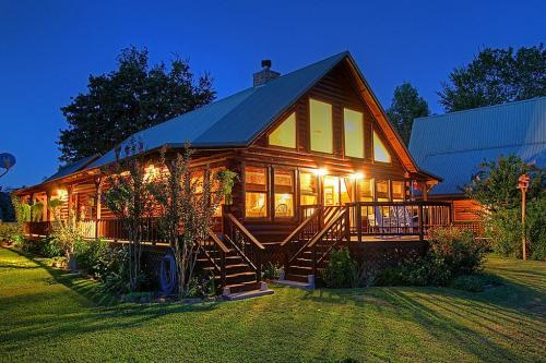 SOLD: WATERFRONT Log Home 3/2/2 On Lake Conroe