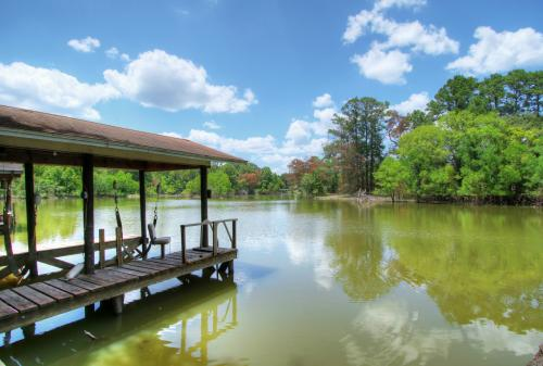 SOLD: Waterfront 2/1.5/2 With Boat House, Lift And Pier